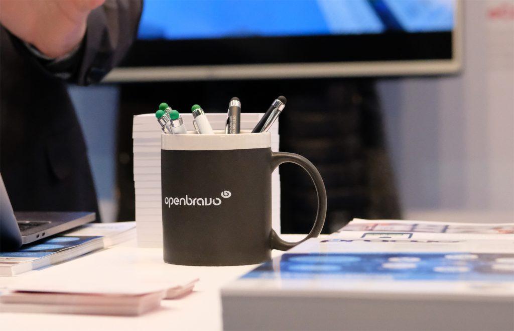Taza personalizada de la empresa openbraovo