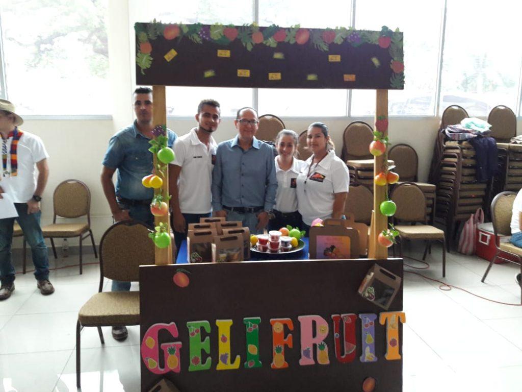 Foto del equipo Gelifruit de la feria de proyectos e innovación 2019